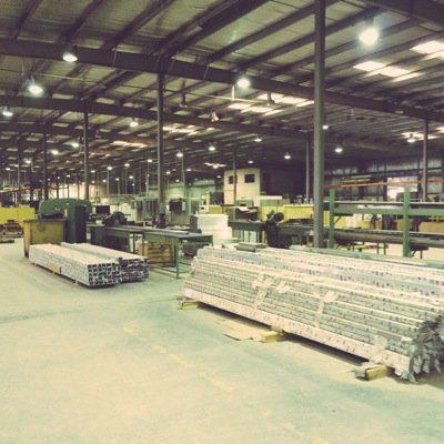 مطلوب 10 عمال للعمل لدى مصنع براتب 250 دينار ضمان وتأمين