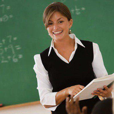 مطلوب معلمين و معلمات متميزيين للانضام الى كادر مؤسسة بسنت للدورات التدريبية المتميزة