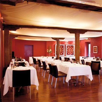مطلوب موظفين لمطعم براتب ابتداء من 300 دينار