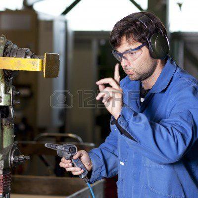مطلوب 5 عمال للعمل لدى مصنع دهانات براتب 245 دينار وبدل مواصلات 15 دينار