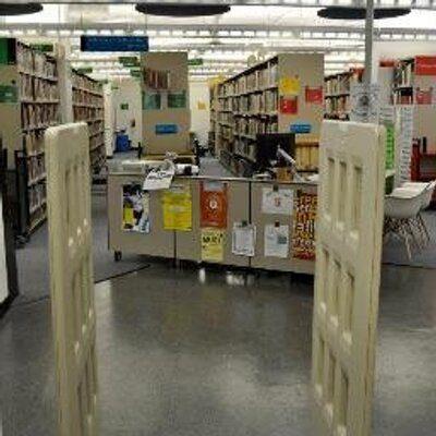 مطلوب شاب للعمل دوام مسائي في مكتبة