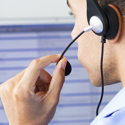 مطلوب موظفين call center برواتب من 300-400 كلا الجنسين