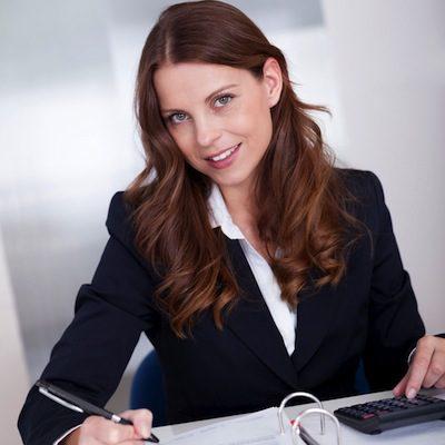 مطلوب فورا موظفة ادارية فس شركة برامج وتطبيقات ومواقع الكترونية