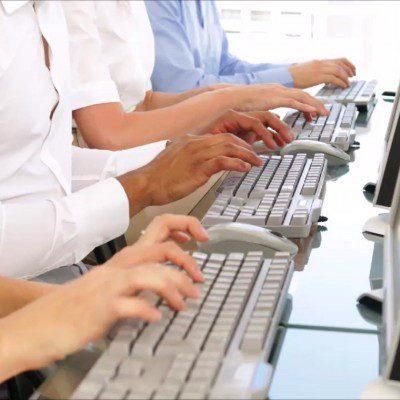 مطلوب مدخلين بيانات للعمل من المنزل لشبكة محتوى عربي