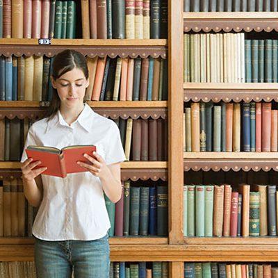 مطلوب موظفين من كلا الجنسين للعمل لدى مكتبة دوام صباحي او مسائي