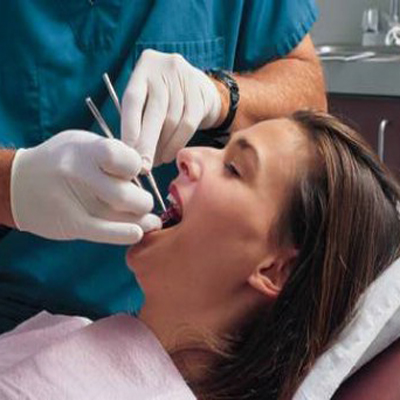 مطلوب مساعد /مساعدة طبيب اسنان للعمل في الصويفية