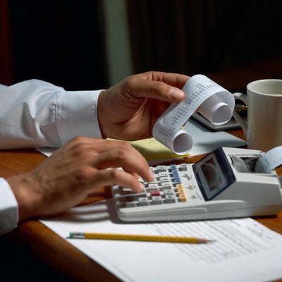 مطلوب محاسب للعمل لدى شركة في عمان