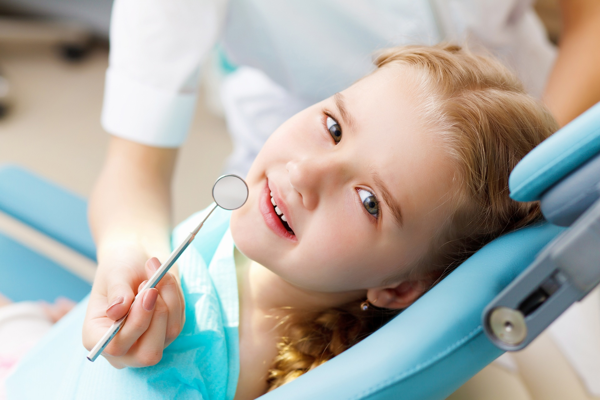 وظائف شاغرة لدى عيادة أسنان
