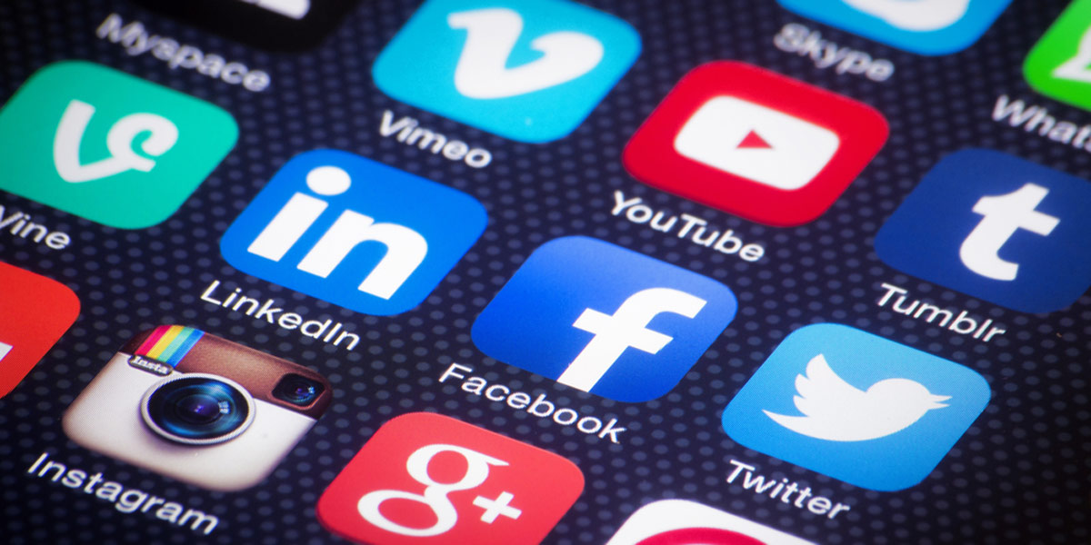 مطلوب موظفة سوشيال ميديا قادرة على التعامل مع صفحات مواقع التواصل الاجتماعي