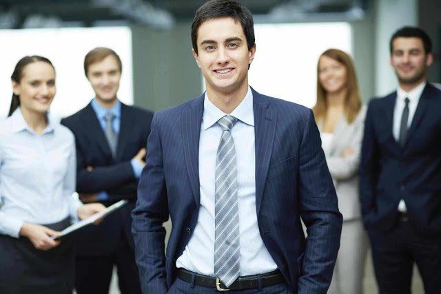 مطلوب مدير تنفيذي من كلا الجنسين للعمل لدى شركة كبرى