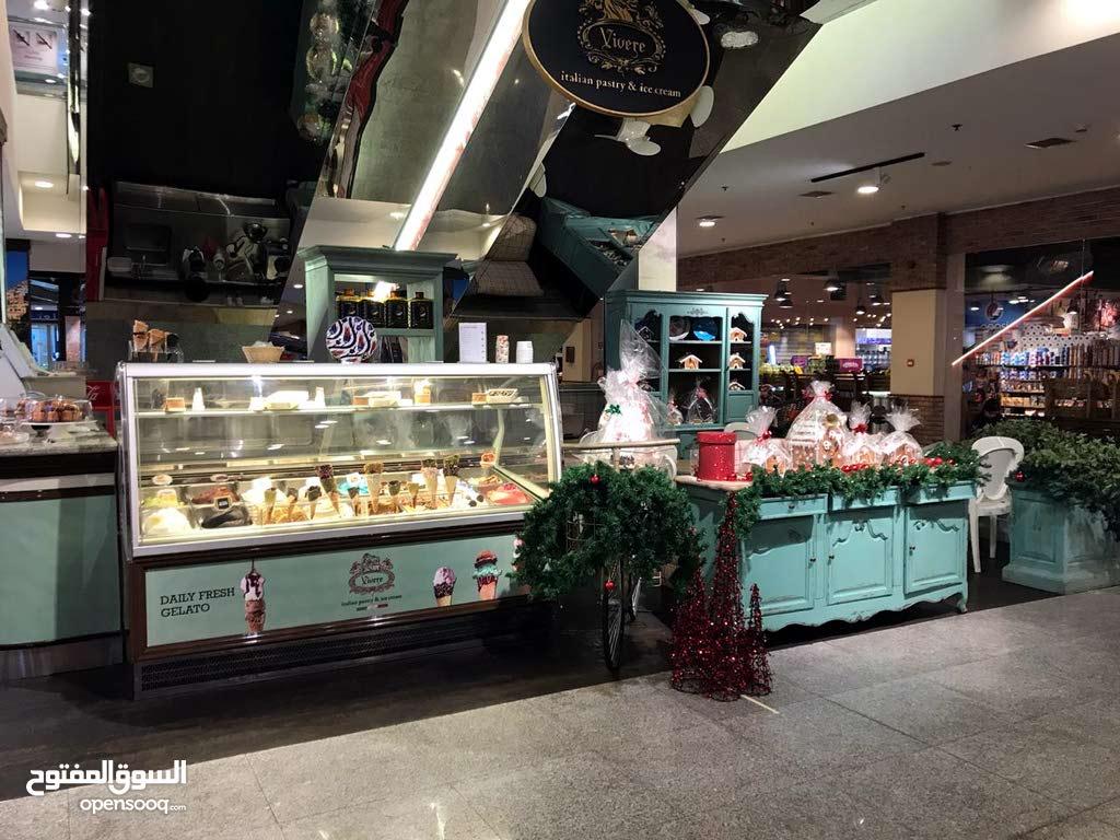 مطلوب للعمل لدى محل حلويات فرنسي مشهور داخل مول -الراتب 350 د
