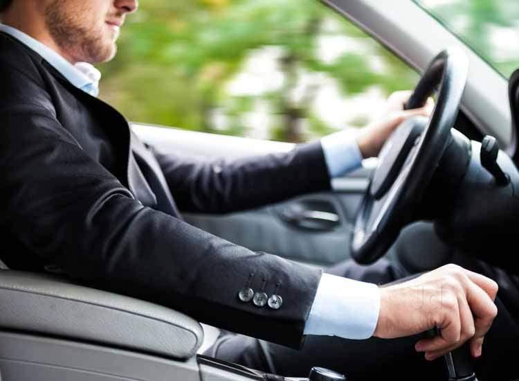 مطلوب سائقين للعمل اربع ساعات يومي براتب 300 دينار شهري
