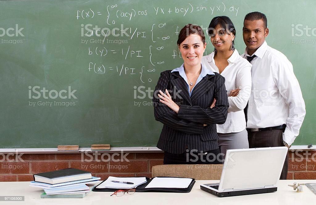 مطلوب معلمين بجميع التخصصات لكافة المراحل و لجميع الانظمة
