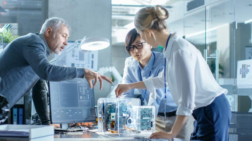 مطلوب موظفين بتخصصات ادارة اعمال او هندسة صناعية لدى شركة